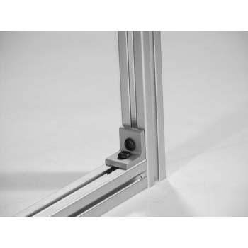 10 S / 25 S 2 Hole Slotted Corner Bracket